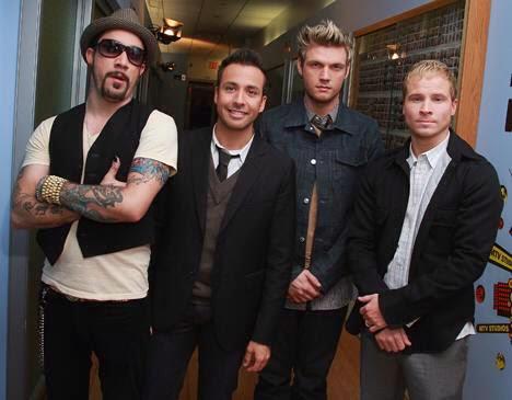 Backstreet Boys - Những Chàng Trai Làm Khuynh Đảo Thế Giới 1013059_213445568804390_363633133_n