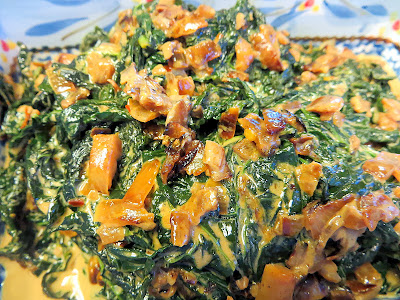 Easy vegetarian side dish: recipe for Creamed kale with caramelized onions