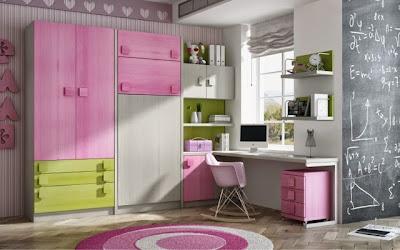 habitación con literas abatibles,mesa de estudio y armario