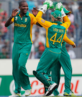 Lonwabo Tsotsobe celebrates after bowled out Imrul Kayes, Bangladesh v South Africa, Group B, World Cup 2011, Mirpur, March 19, 2011