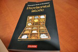 Principele Radu şi-a lansat două volume, la Bookfest