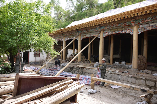 construction at Kumbum Monastery (Taer Si) in Qinghai, China