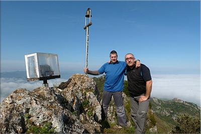 Txulato mendiaren gailurra 946 m.  --  2013ko maiatzaren 5ean