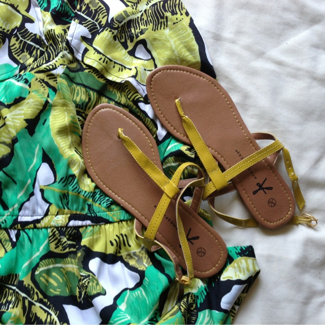 Topshop Green Banana Leaf Print Maxi Dress / Primark Sandals
