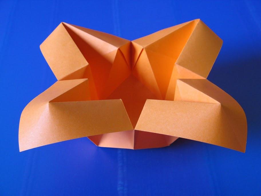 Origami foto Vaso con petali - Vase with petals by Francesco Guarnieri