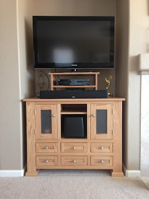 45″ x 27″ x 36″ Hagen Entertainment Center in Oak