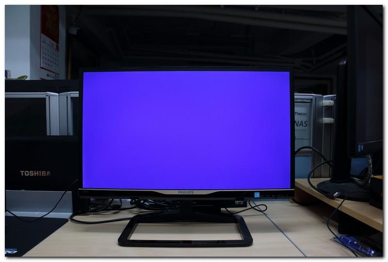 [XF] 設計掛保證的Philips 238C4QHSN螢幕,好看又好用
