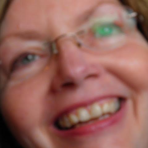 Lynda Savage