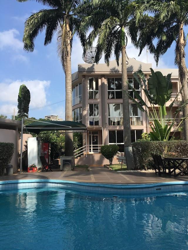 Crown Apartamento Hotel