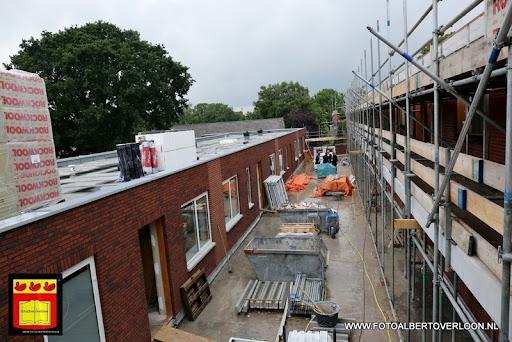 Appartementencomplex de linde  heeft zijn hoogste punt bereikt overloon 28-06-2013 (27).JPG