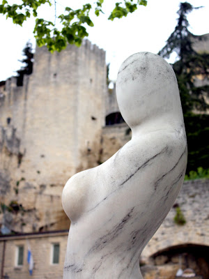 Sculpture of a woman in San Marino