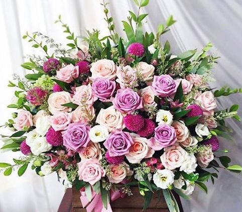 Mua hoa tại đơn vị quý khách sẽ được nhận những bó hoa tươi thắm rực rỡ