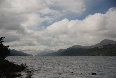 waves, Loch Ness