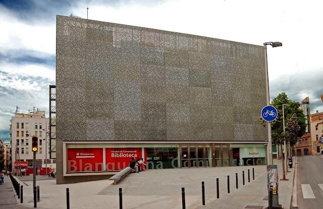 Biblioteca Facultat Comunicació i Relacions Internacionals Blanquerna - Universitat Ramon Llull