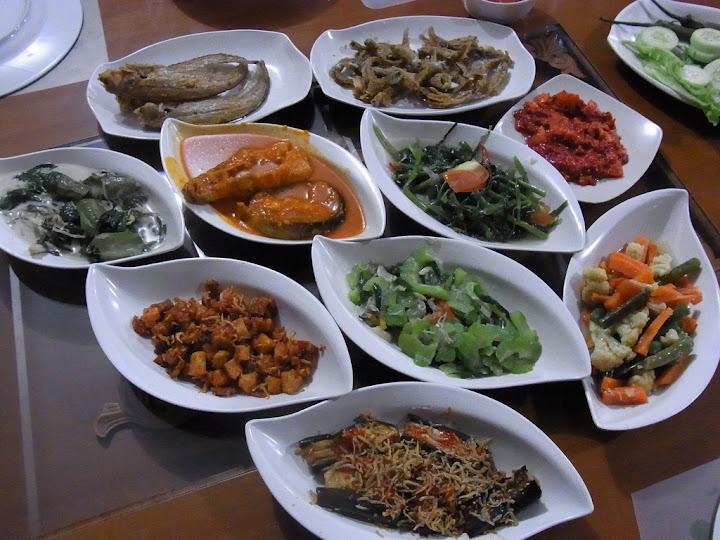 Wisata Kuliner di Kubu Raya yang paling diminati para wisatawan adalah makanan khas melayu dan seafood