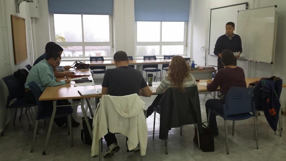 VISTA PARCIAL DE UNA DE LAS CLASES DE INGLES DE PREMYSA