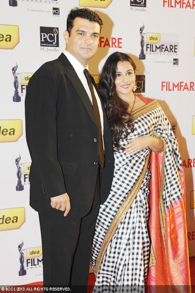 Vidya Balan and Siddharth Roy Kapur looked a perfect couple during the 58th Idea Filmfare Awards, held in Mumbai.Click here for:<br />  58th Idea Filmfare Awards<br /> <br /> <br />