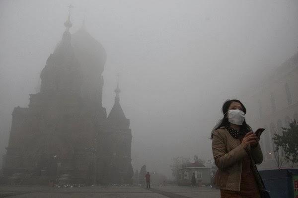 (哈爾濱10月的時候因為霧霾問題宣佈中小學停課)