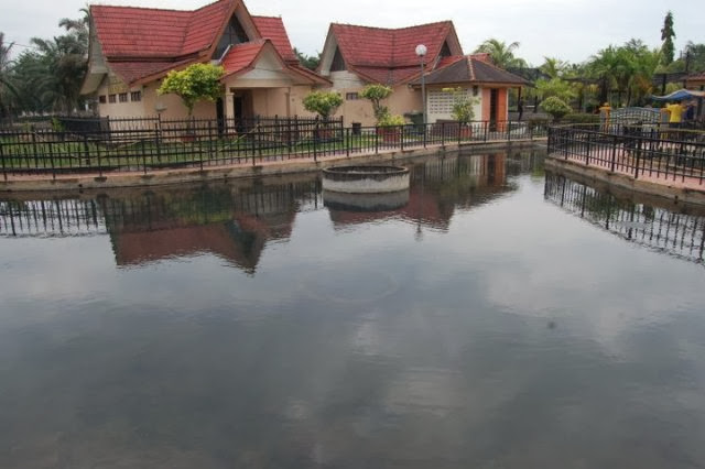 Kolam-Air-Panas-Gadek-Hot-Spring