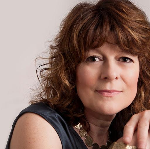 Carole Yates Photo 10