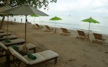 ชายหาดของ โรงแรมบ้านปู รีสอร์ท เกาะช้าง