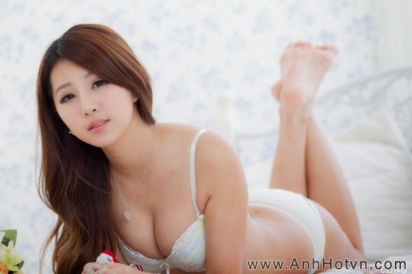 Hot bikini P4