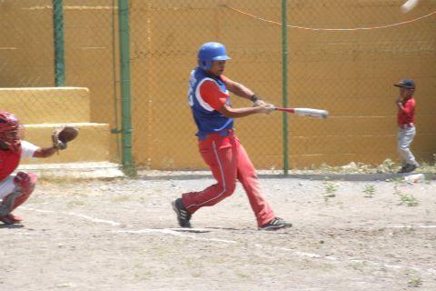 Dagoberto Rodríguez de Cachorros de Bustamante en la Liga de Beisbol de Salinas Victoria