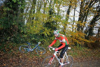 https://picasaweb.google.com/accatenoy/ChampionnatOiseCyclocross30Novembre2014#6088300733797115538