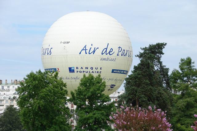 Zig Zags over Paris