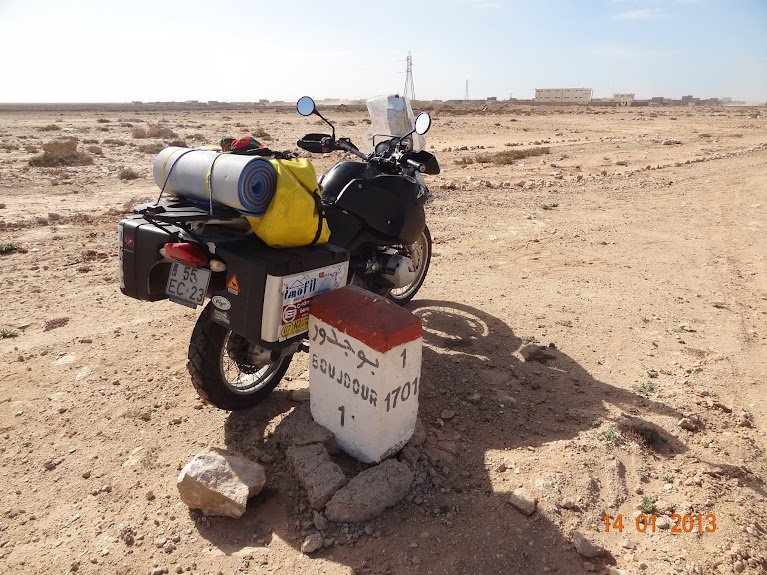 Marrocos e Mauritãnia a Queimar Pneu e Gasolina - Página 5 DSC05809