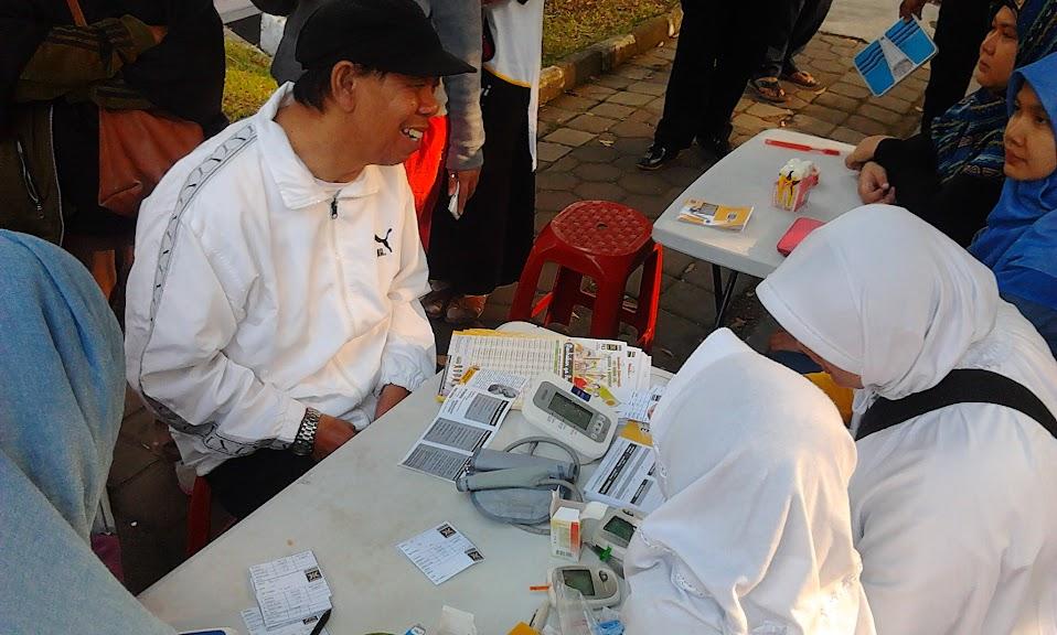 Layanan periksa kesehatan di lokasi Tarhib Ramadhan