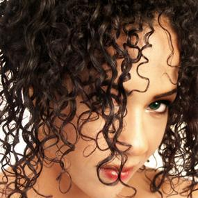 Must Have Products for Short Curly Haircuts:hair0