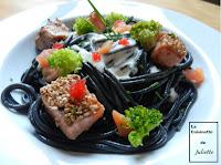 Spaghettis à l'encre de seiche et aux 2 saumons - recette indexée dans les Poissons
