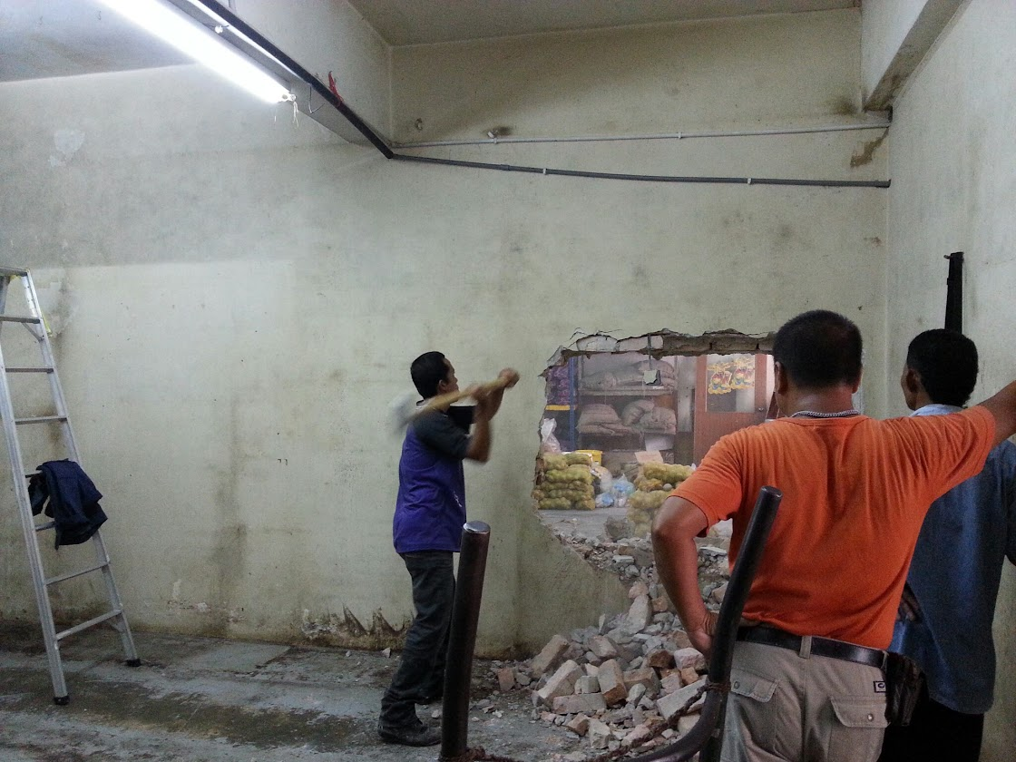 wall demolishing