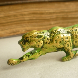 Acid green leopard brooch