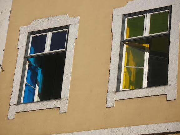 Ventanas de La Baixa.- Lisboa.
