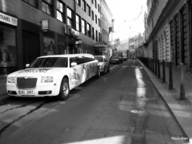 Ulice s limuzínou