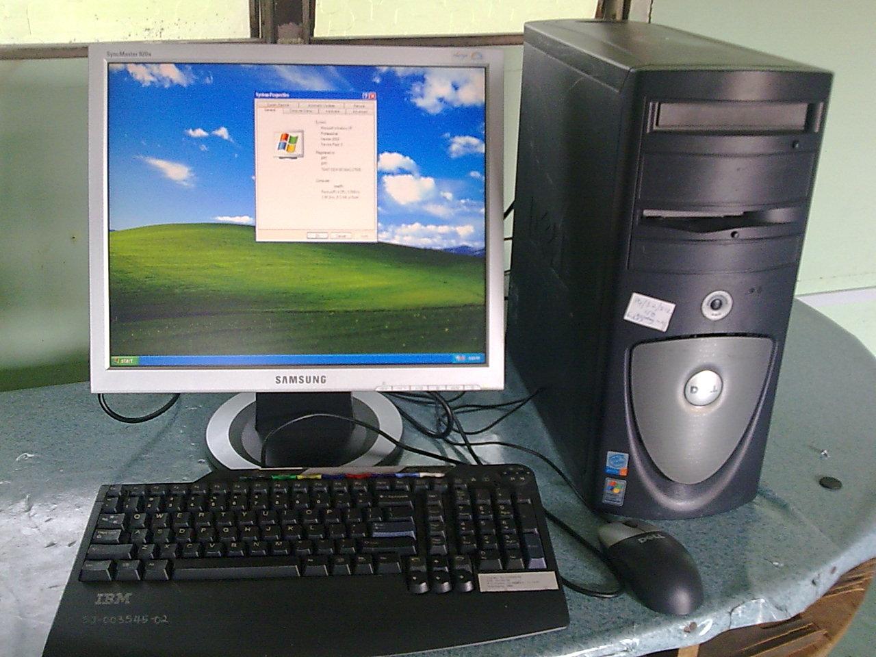 mencari komputer murah? kami membekal dan menjual komputer terpakai menawarkan harga yang murah di Malaysia. Stor kami berada di Tg Karang selangor. Di dalam gambar ini ialah set komputer Dell bersama LCD Monitor samsung 17'. Sila datang ke stor kami di batu 8 1/2, Jalan bernam, 45500, Tg Karang.