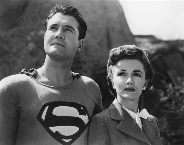 Superman ocupa la posición número 4 de nuestro top ten de las series de superhéroes