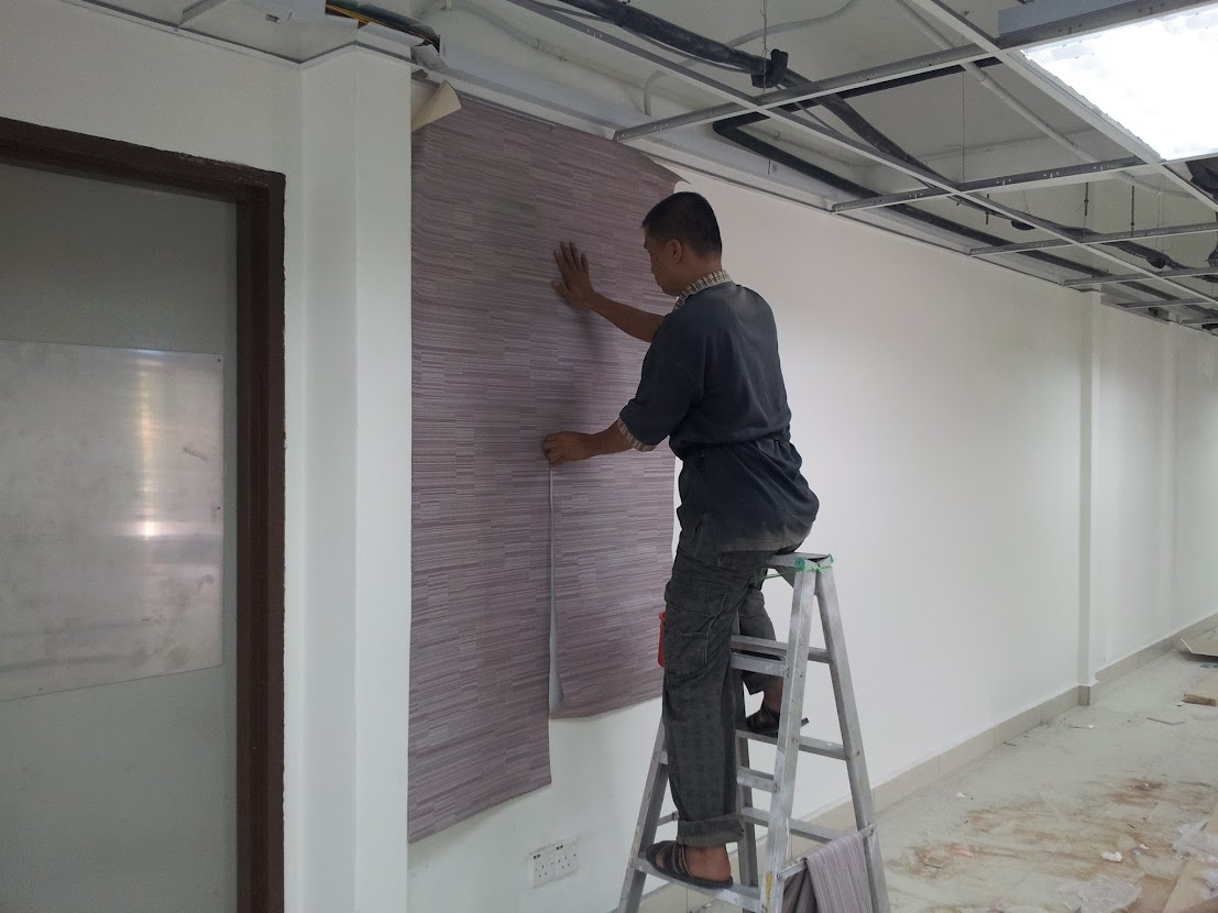 laying wallpaper