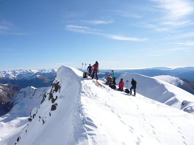 12h30, le groupe au sommet du Pic de Llauset (2910m)