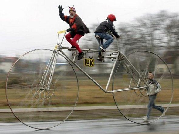 The Craziest Bike Models and Rider | Mountain Bikes | old Bike | Dir Bike | totallycoolpix