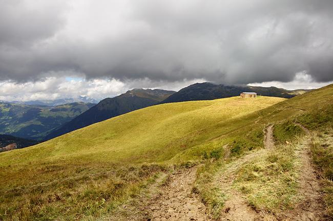 Traversée des Alpes, du lac Léman à la Méditerranée Gr5-mont-blanc-briancon-petite-berge-chalet
