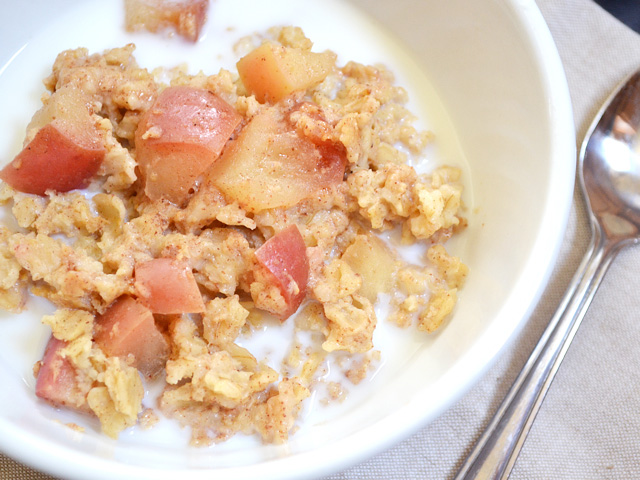 A bowl of Apple Pie Baked Oatmeal