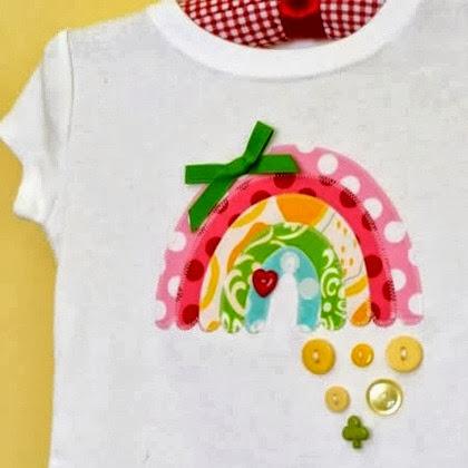 inspiração: arco-íris - camiseta com arco-íris e botões