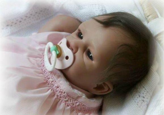 Gerçek+bebeğe+benzeyen+oyuncak+Bebekler