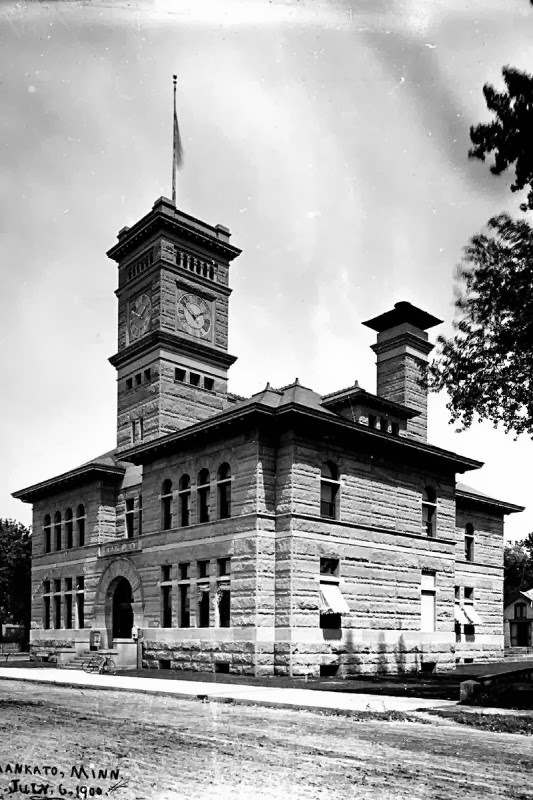 Mankato, MN post office in 1900