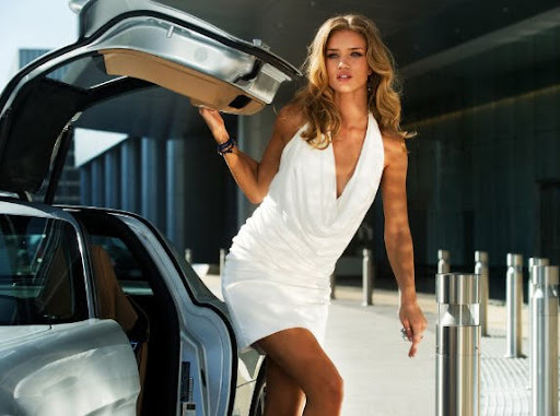 Rosie Huntington-Whiteley: Transformers: Dark of the Moon