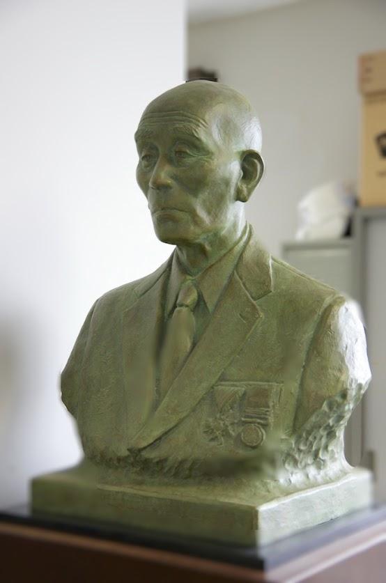 「松原作造 氏」の胸像