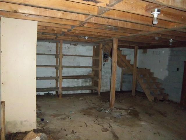 Barn has full walk out basement.